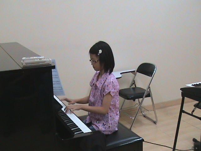 Studio Concert – Regular Mini Concert To Students
