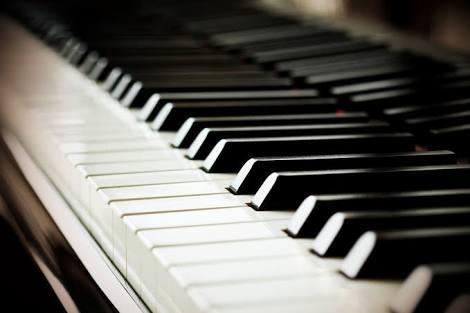 Belajar Piano Menggunakan Keyboard