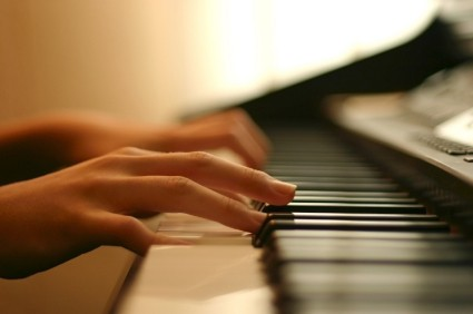 Piano Pedagogy – Bentuk Jari Yang Benar  (Rounded Hand Shape)